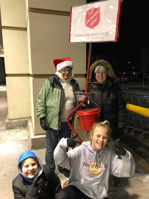 2018 12 12 Salvation Army Bell Ringing 3